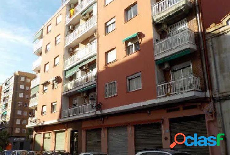 Local comercial de 33 m2 en La Petxina, Valencia