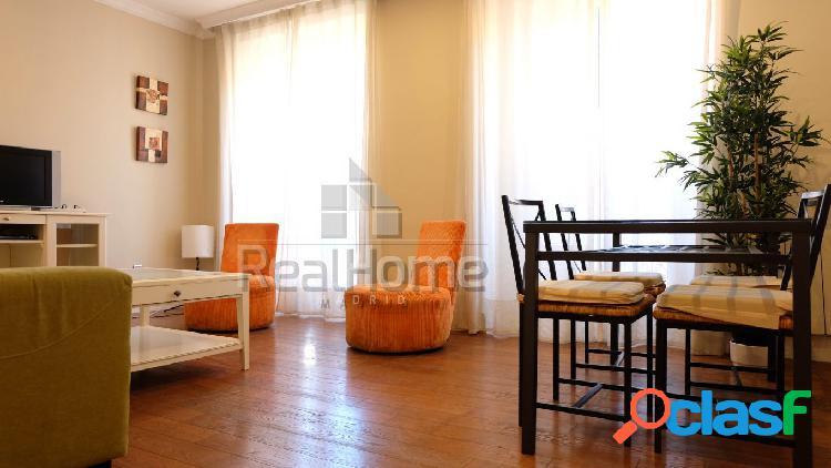 Precioso piso exterior en Embajadores