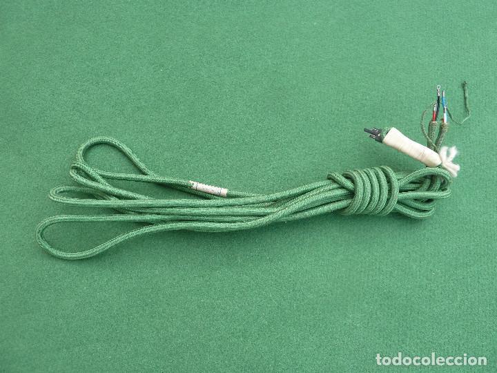Cable de tela de color verde con 5 hilos