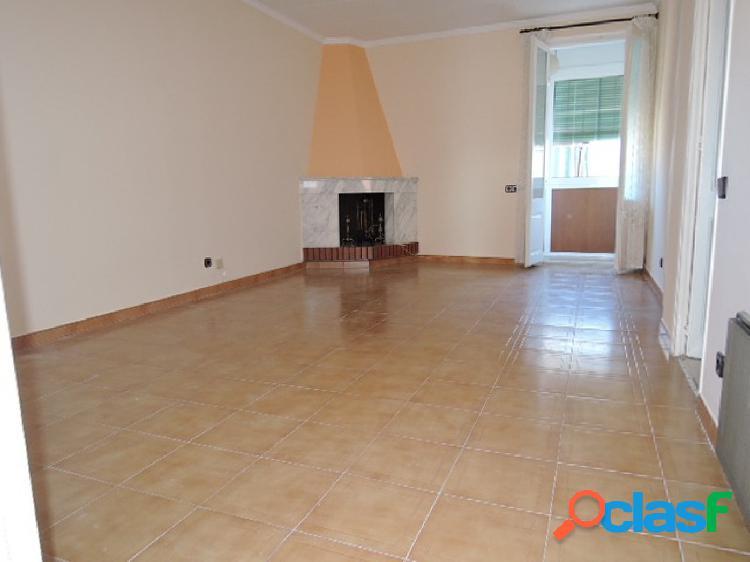 Precioso piso de tres habitaciones en Sants-Hostafranchs
