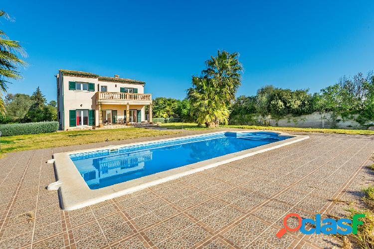 Se vende chalet unifamiliar independiente con piscina en