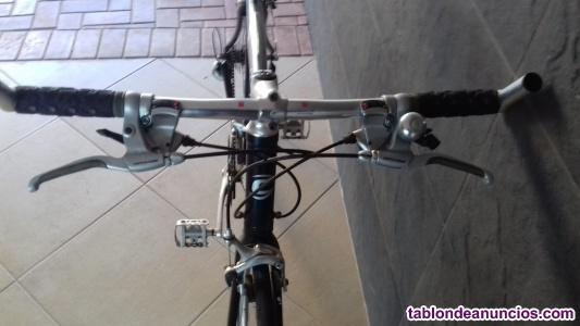 Vendo bicicleta americana 27 marchas
