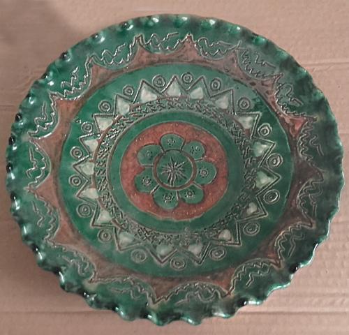 Antiguo plato cerámica decorativo