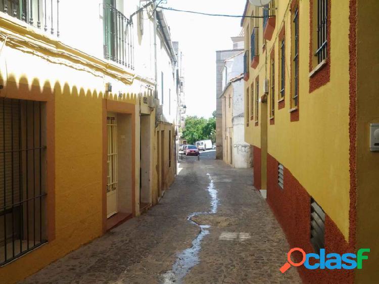 Apartamento con encanta en zona de Casco Antiguo.
