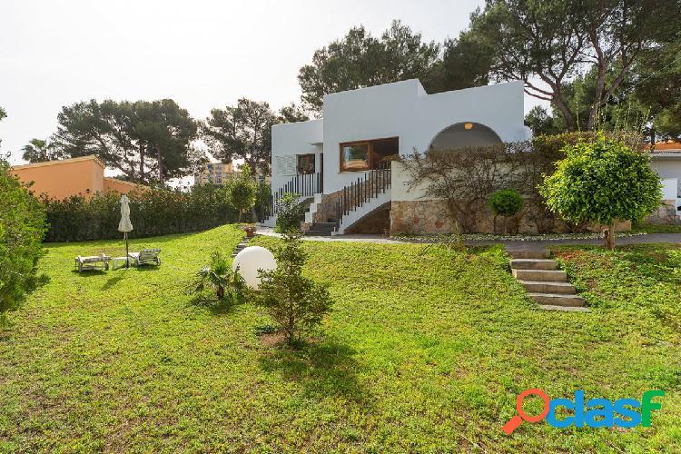 Chalet en venta en parcela de 900 m2 en Las Maravillas -