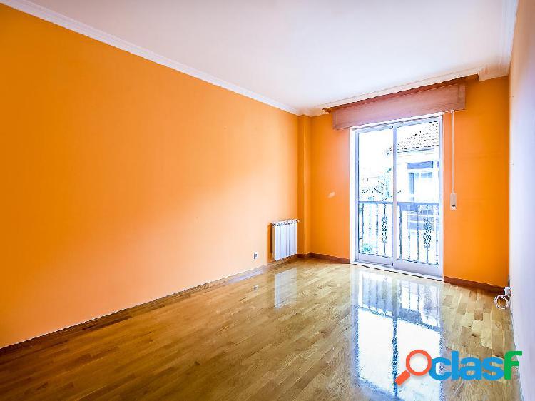 Dúplex en venta de 80 m² en Avenida da Mahia, 15220