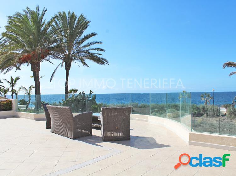 Gran villa moderna de cuatro dormitorios con vistas al mar