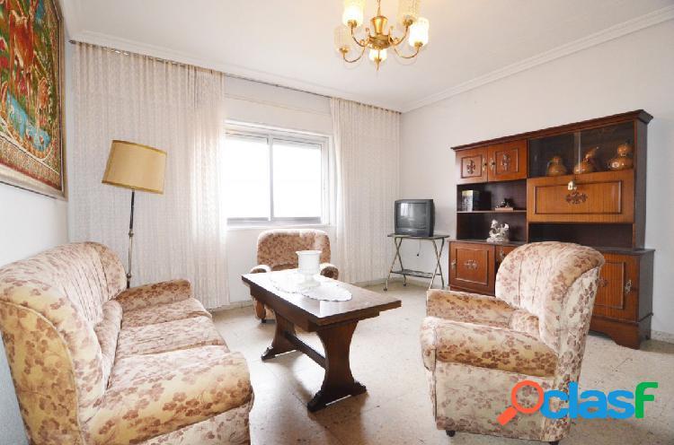 Urbis te ofrece un piso en venta en el Barrio Blanco.