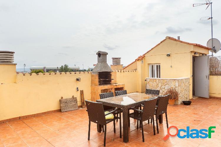 Ático en venta con terraza solarium en La Vileta - Palma