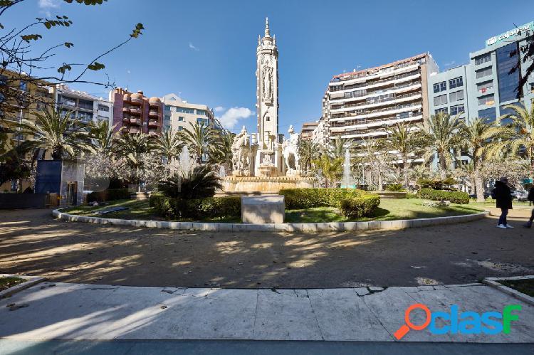Estrena Espectacular Local en Plaza Luceros, centro ciudad