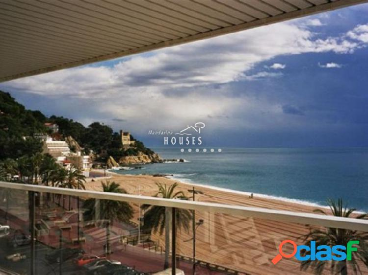 Apartamento en primera línea de mar en venta, Lloret de Mar