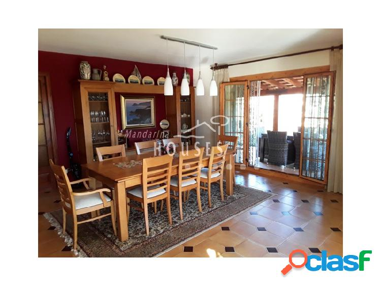 Casa de 4 habitaciones en venta en Canyelles