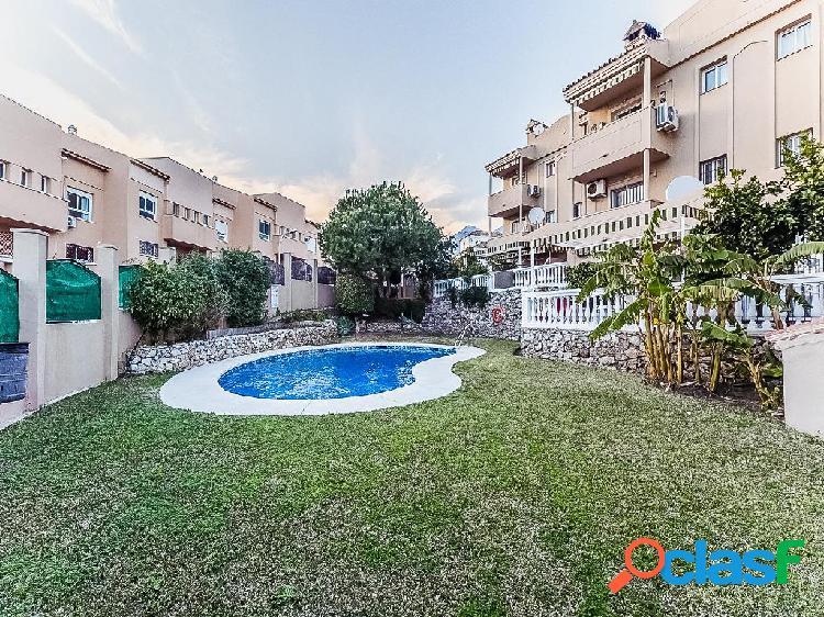 Dúplex en venta de 190 m² en Avenida del Tivoli, 29631