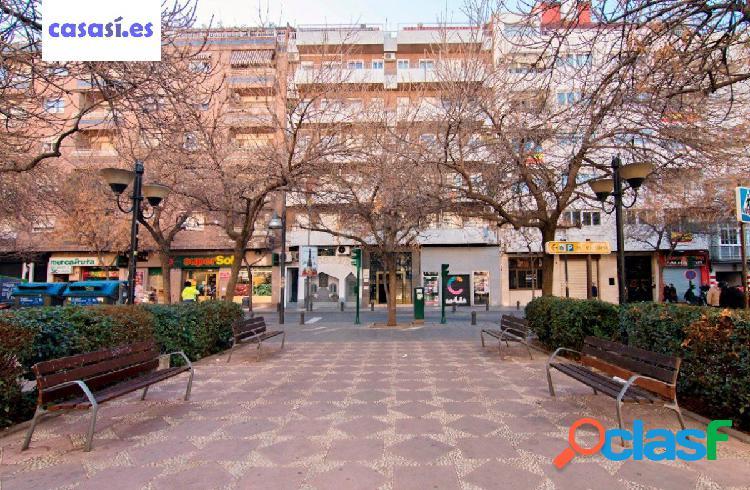 Estás buscando un gran piso en pleno centro de Granada?