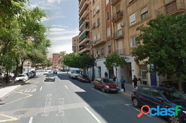 Local de 120 m2 en zona céntrica de Valencia