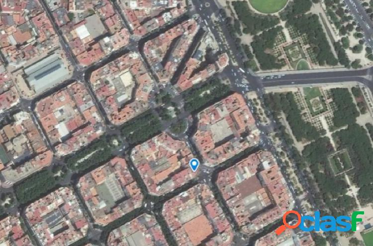Local diáfano con 1 baño en calle Salamanca, Valencia