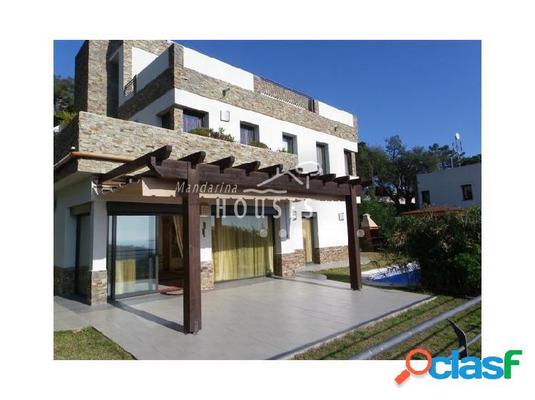 Villa de Lujo con vistas al mar en Cala Canyelles, Lloret de