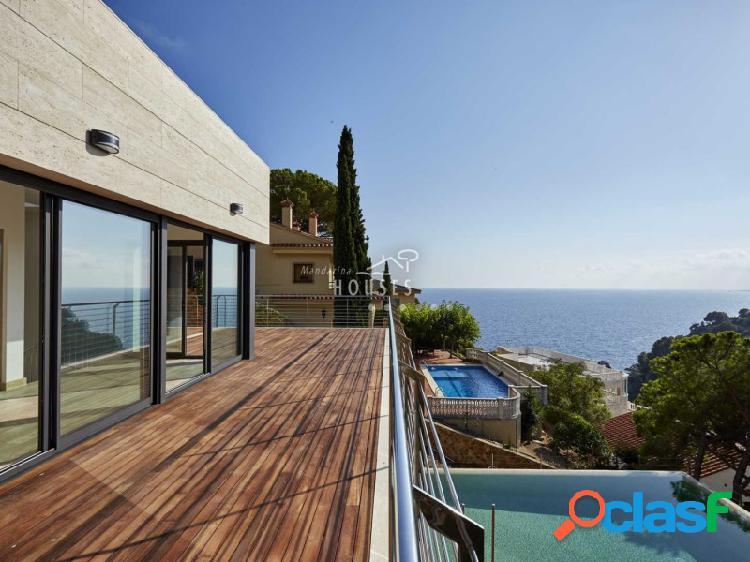 Villa de lujo nueva con magnificas vistas al mar, en Cala