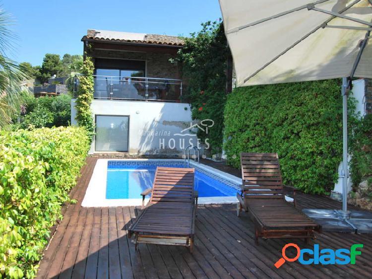 Villa en alquiler cerca de la playa de Cala Canyelles,
