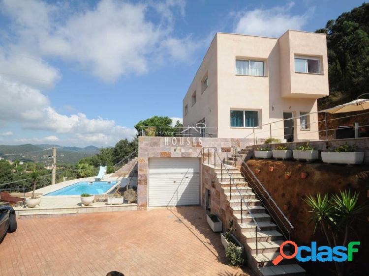 Villa moderna de obra nueva en Serra Brava, Lloret de Mar