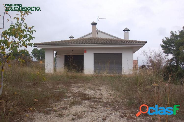 CASA en VENDA a LA TORRE DE CLARAMUNT - Zona PINEDES