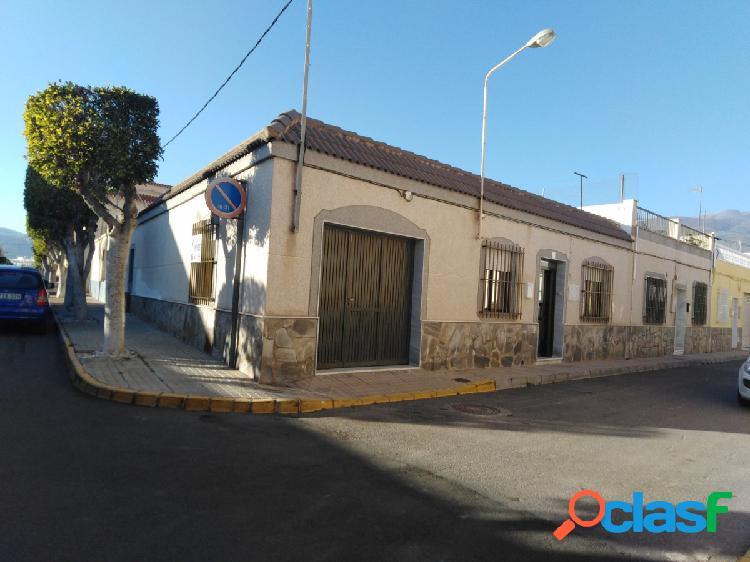 Casa de Planta Baja en la zona de Santo Domingo