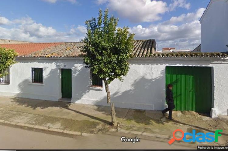 Casa de colono en en Pueblonuevo con muchas posibilidades.