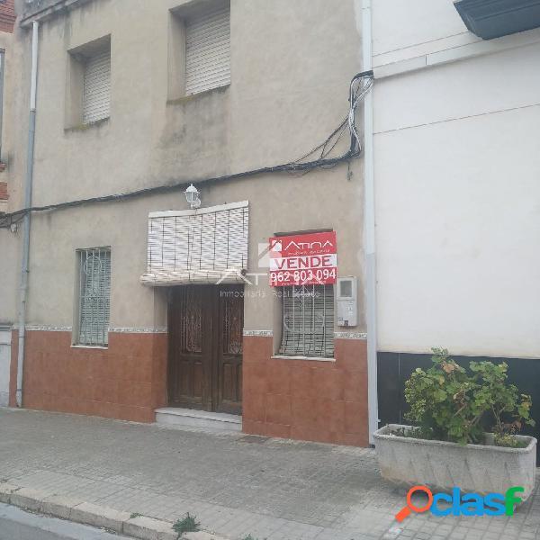 Casa para reformar situada en el pueblo de Llocnou de Sant