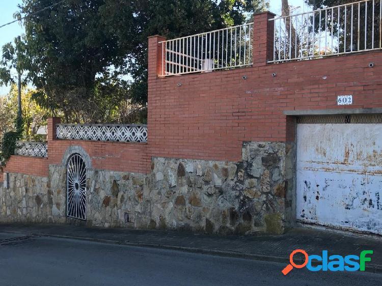 PARCELA DE 900 M2 PARA EDIFICAR EN ARGENTONA