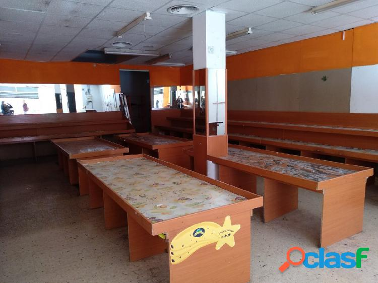Se vende o se alquila Local comercial