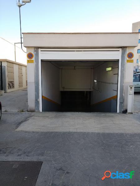 Una plaza de aparcamiento comoda y muy accesible