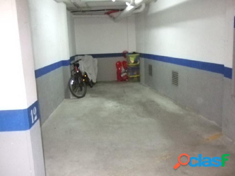 Venta de plaza de parking en zona céntrica de Roquetes,