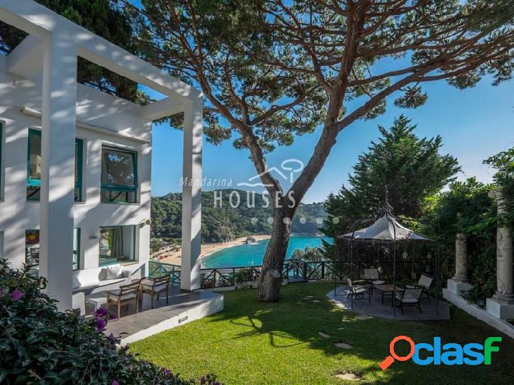 Villa de alto standing con excelentes vistas al mar en