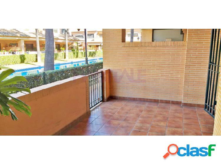 Chalet adosado de lujo con terraza garaje y piscina