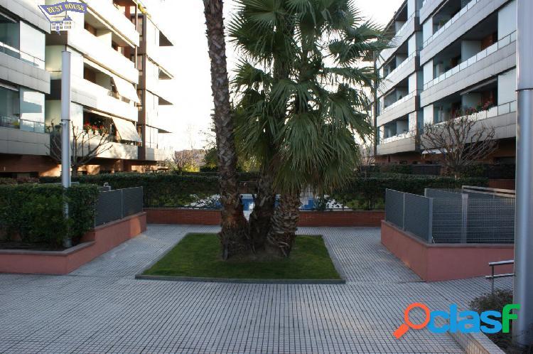 Espectacular!!!!! Seminuevo 108 m2, 3 hab, 2 baños, parking