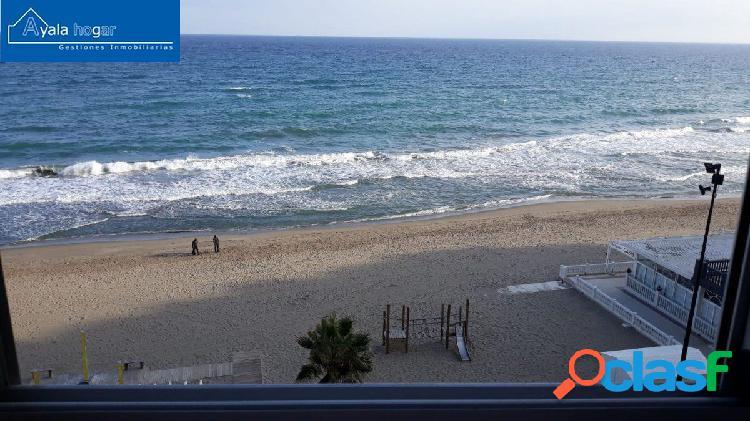 Estupenda vivienda en primera línea de playa