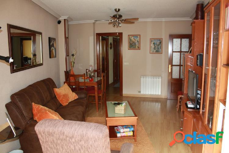 Urbis te ofrece un piso en venta en Villamayor