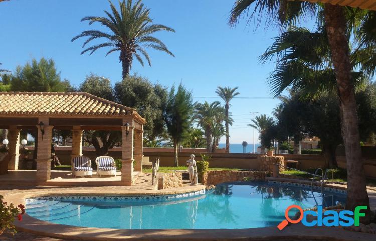 Villa de lujo en Cabo roig a tan solo 80 metros del mar