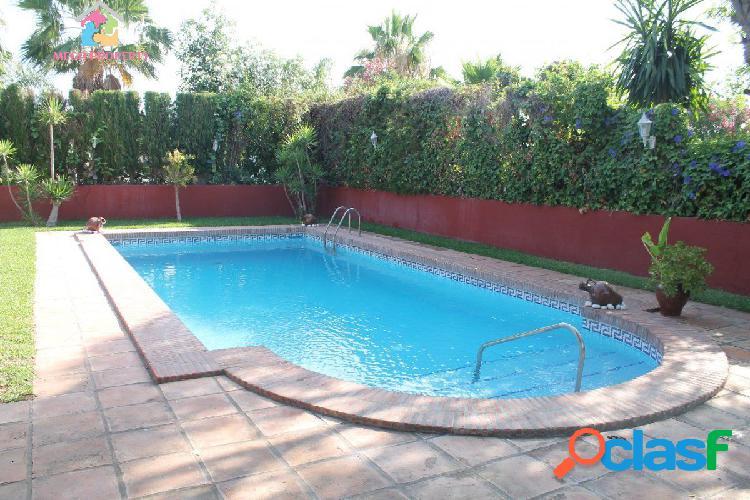 Villa en alquiler y venta en Sotogrande