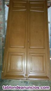 Dos puertas:1 de madera maciza y otra de aluminio.(exterior