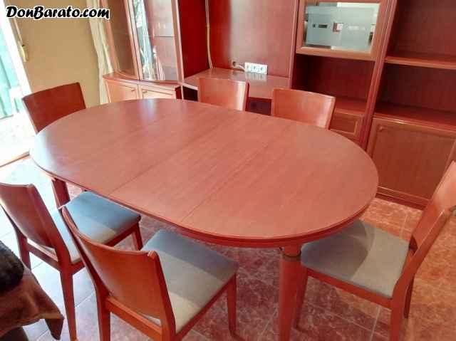 Mesa de salón de madera de caoba