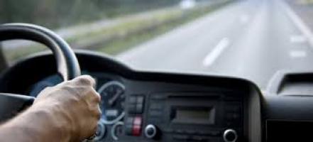 Se requieren transportistas y repartidores