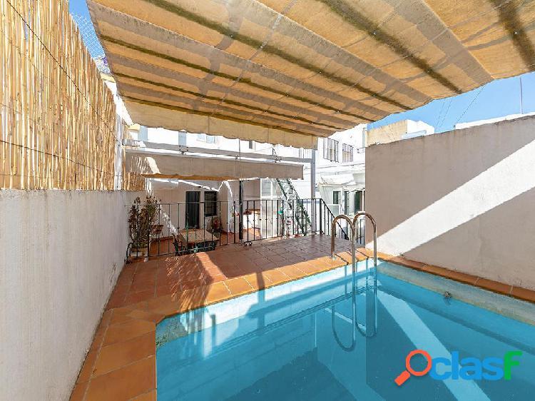 Casa en venta de 315 m² en callejón junto a plaza de la
