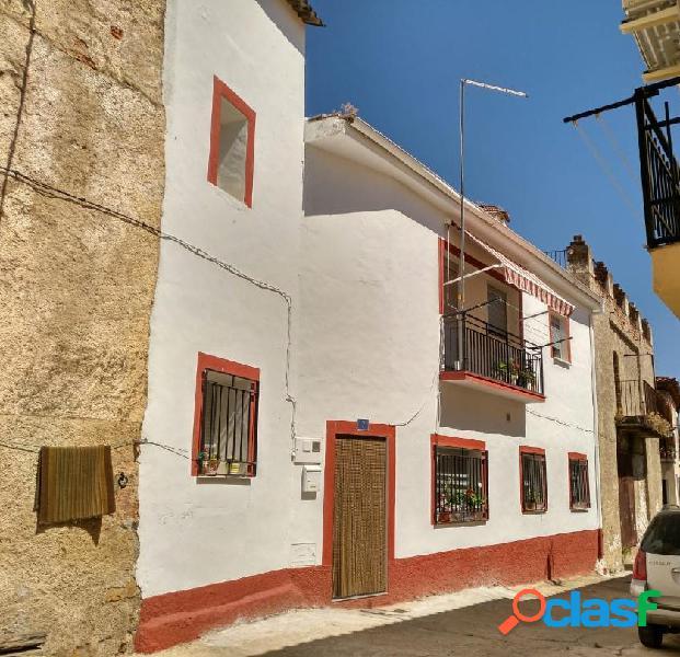 Casa en venta en Berzocana, Cáceres