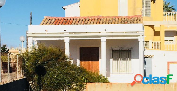 Casa en venta en Oliva, Valencia