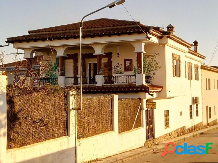 Casa en venta en Talayuela, Cáceres