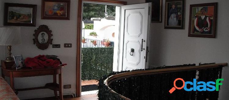 Casa independiente en venta en c/ De la Escola 14, Poio