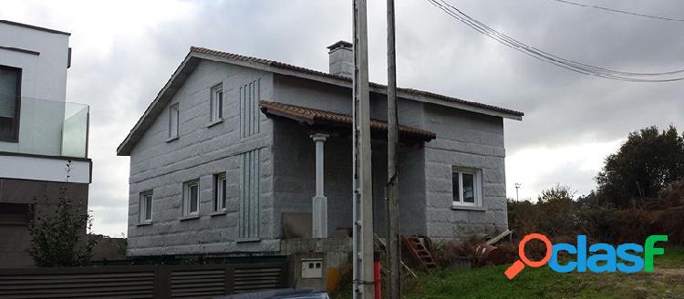 Casa independiente en venta en c/ Lugar de Barreiros, Teo