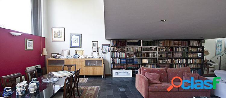 Casa independiente en venta en c/ Lugar de Paradela 56,