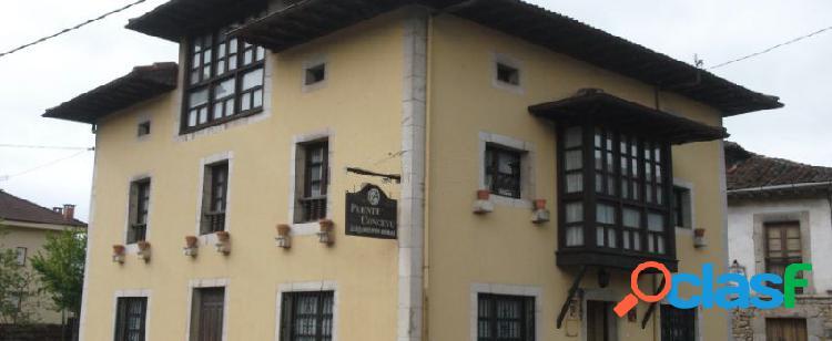 Casa independiente en venta en calle Benia de Onis